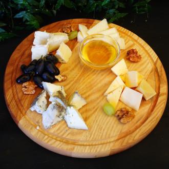Плато благородних сирів