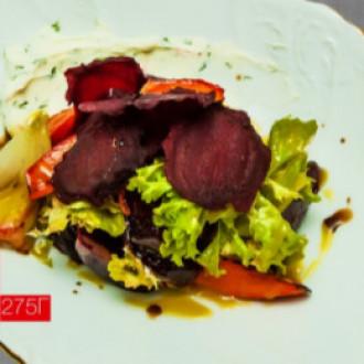 Салат з печених овочів та телячого язичка