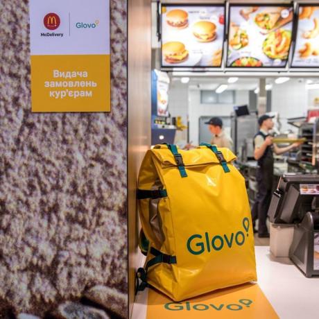 Гіганти у сфері доставки - GLOVO та UBER EATS