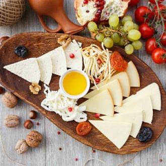 Асорті із грузинських сирів